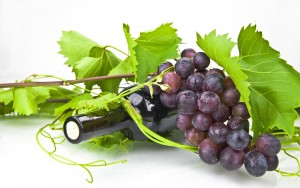 Wine-and-grapes_2560x1600
