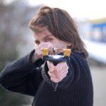 スリングショットの危険性や威力は?銃刀法違反に該当しない?